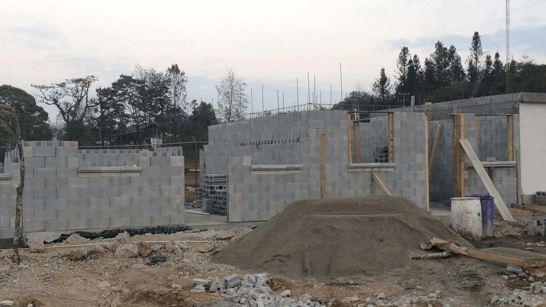 Armo eficiencia en construcci n de casas bardas y muros for Huevera construccion precio